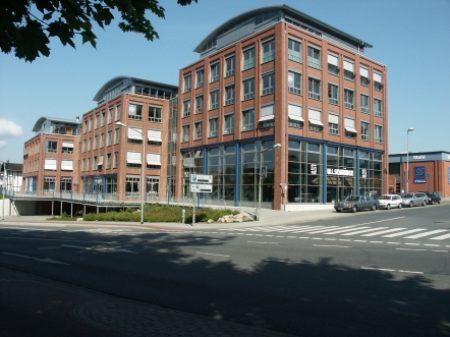 2000-Eröffnung der Verkaufsräume Handwerkstadt für die Sortimente Werkzeug – Maschinen – Eisenwaren in Lüneburg